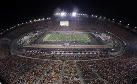 39 Battle At Bristol 39 Draws Ncaa Record Crowd Of 156 990