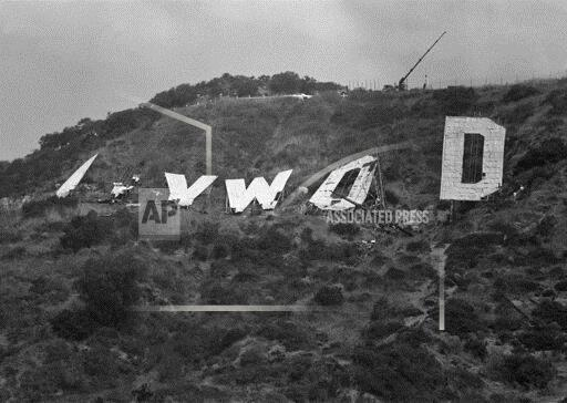 Watchf AP A ENT CA USA APHS462574 Hollywood Sign 1978