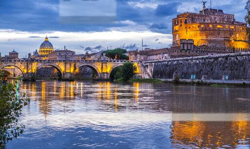 Italy, Rome, Ponte Sant'Angelo and Castel Sant'Angelo
