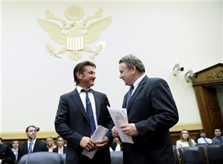 Sean Penn, Chris Smith