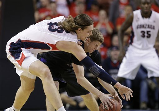 Kelly Olynyk, Will Spradling