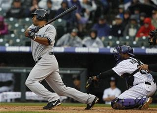 Vernon Wells, Wilin Rosario