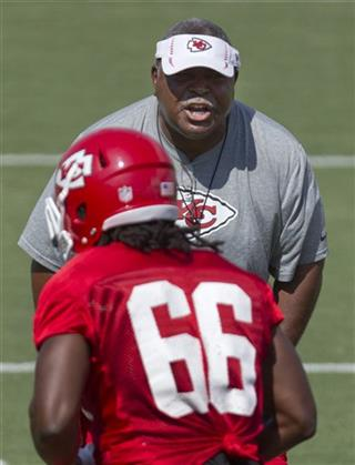 Romeo Crennel,   Leon Williams