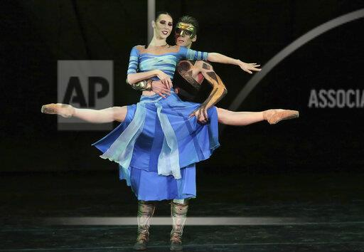 """Samara Academic Opera and Ballet Theater brought parable ballet """"Three Masks of the King"""" to Moscow."""