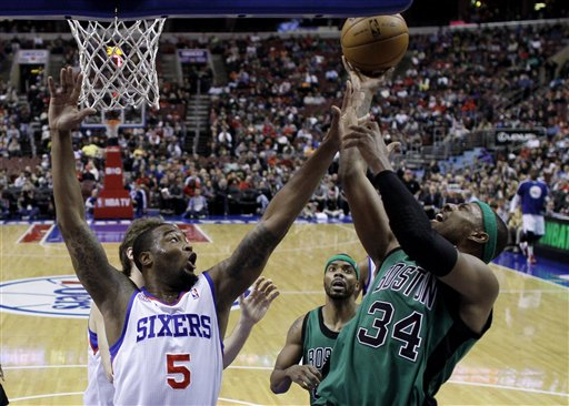 Arnett Moultrie (5), Paul Pierce (34)