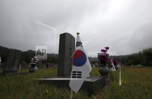APTOPIX South Korea Koreas War Anniversary