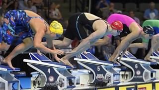 Katie Ledecky, Katie McLaughlin, Leah Smith