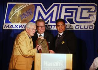 Chuck Bednarik, Ron Jaworski, Manti Te&#039;o