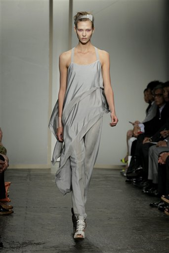Fashion Donna Karan New York Spring 2013