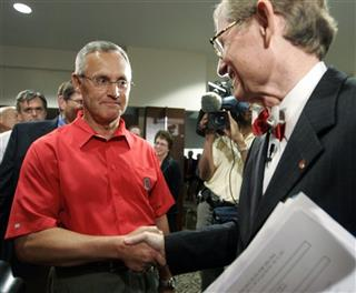 Jim Tressel, Gordon Gee