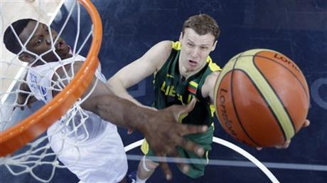 Kevin Seraphin, Martynas Pocius