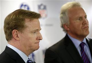 Jeff Immelt, Roger Goodell