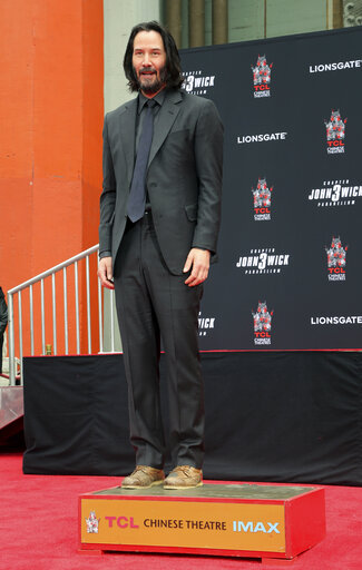 Keanu Reeves Hand and Footprint Ceremony