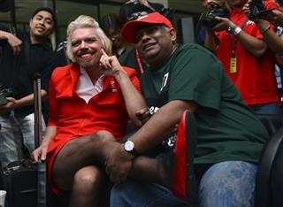 Richard Branson, Tony Fernandes