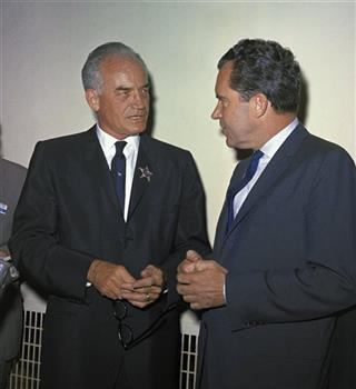Barry Goldwater, Richard Nixon