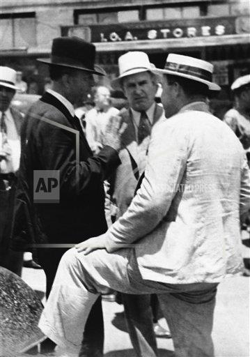 Watchf Associated Press Domestic News  Louisiana United States APHS231933 Bonnie And Clyde Death 1934