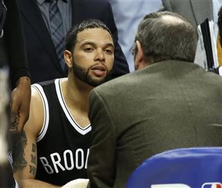 Deron Williams, P.J. Carlesimo