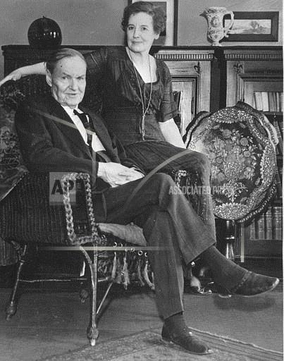 Associated Press Domestic News Illinois United States CLARENCE DARROW AND WIFE