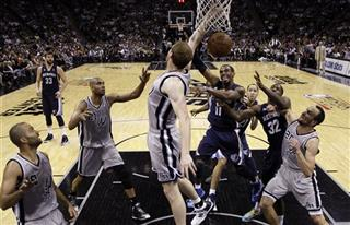 Matt Bonner, Mike Conley