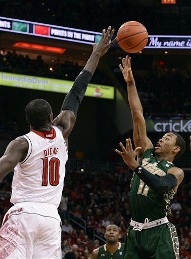 Gorgui Dieng, Anthony Collins