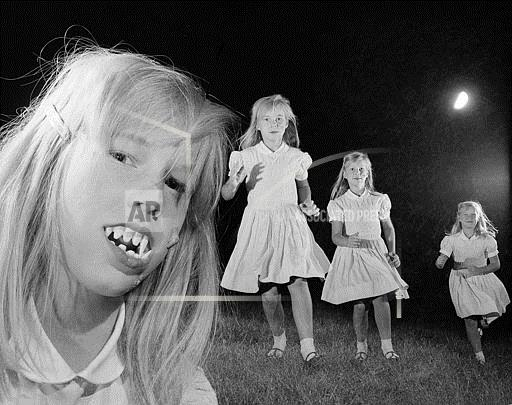 Watchf Associated Press Domestic News Entertainment New York United States APHS105092 Happy Halloween 1966