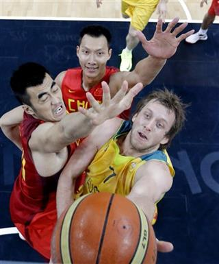 Joe Ingles, Wang Zhizhi, Yi Jianlian
