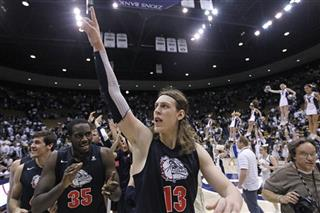 Kelly Olynyk, Sam Dower