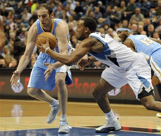 Derrick Williams, Kosta Koufos