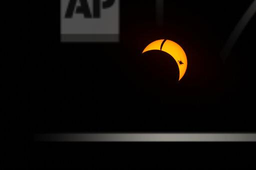 STRONG-VISUALS-SOLAR-ECLIPSE-CHILE