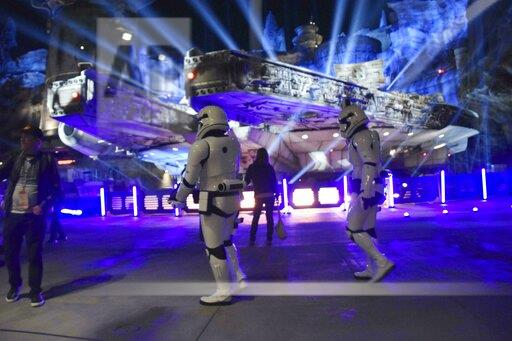 "New ""Star Wars"" attraction at Disney Park"