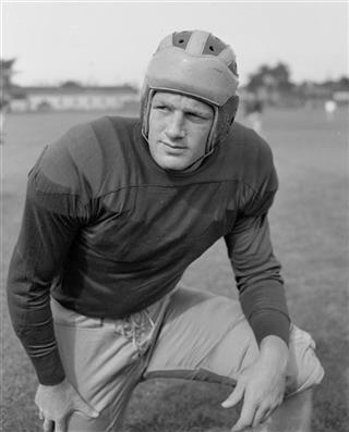 Obit Hall of Fame Elliott Football