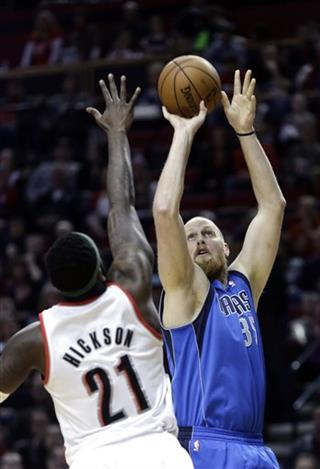Chris Kaman, J.J. Hickson