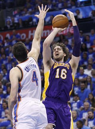 Pau Gasol, Nick Collison