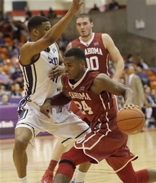 Ryan Spangler, Buddy Hield, Brandon Parrish
