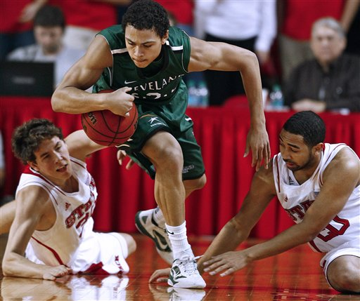 Bryn Forbes, Jay Lewis, Staats Battle