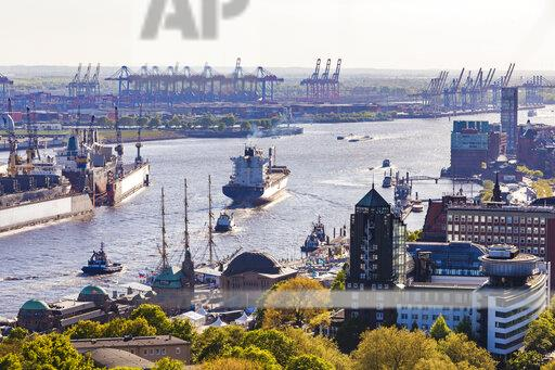 Germany, Hamburg, Ships at St. Pauli landing stages