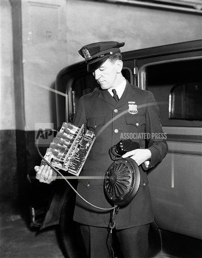 Watchf AP A  NY USA APHS291172 NYPD Radio Communications 1932