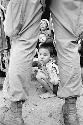 Associated Press International News Vietnam VIETNAM WAR VIETNAMESE FAMILY