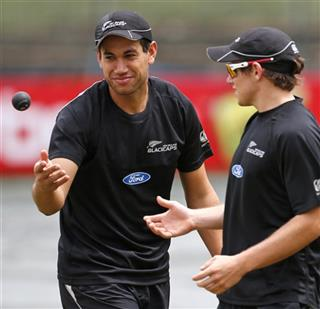 Ross Taylor, Tom Latham