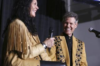 Mary Travis, Randy Travis