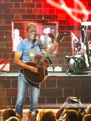 Hootie and the Blowfish and Barenaked Ladies in Concert - Cincin