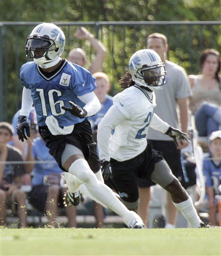 Bill Bentley, Titus Young