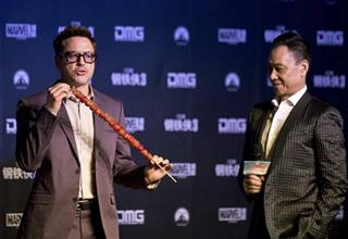 Robert Downey Jr., Wang Xueqi