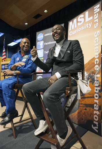 Leland Melvin, William