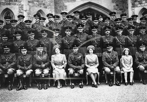 Watchf AP I   GBR XEN APHS223285 KIng Geoorge VI and  Royal Family Members with Grenadier Guards