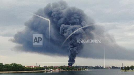 Major fire in disposal plant with meter-high flames