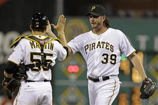 Jason Grilli, Russell Martin
