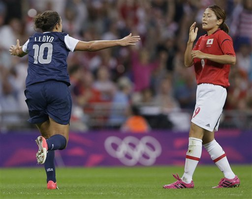 Carli Lloyd, Nahomi Kawasumi