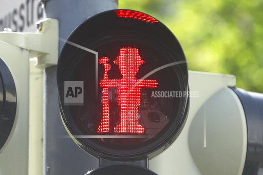 Shooter traffic light manikin