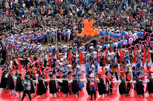 CCP AP I  Sichuan CHN COLOP Qiang People Celebrate New Year